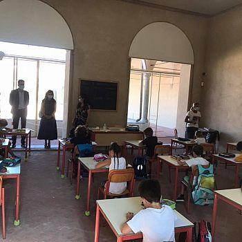 /images/4/6/46-sindaco-e-munno-scuole-oberdan-al-centro-sms.jpg