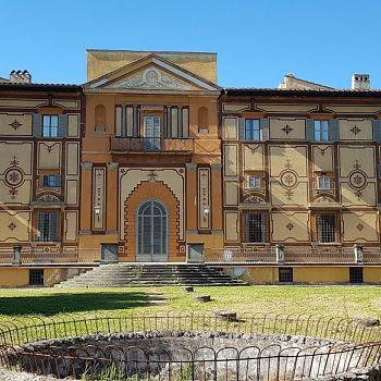/images/4/7/47-facciata-sud-villa-favard-rovezzano.jpg