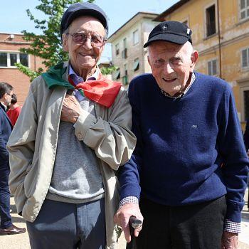 /images/4/9/49-25-aprile-2019-liberazione-nazionale-empoli-santa-maria-fontanella-293.jpg