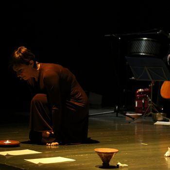 /images/5/0/50-giorno-della-memoria-lettera-alla-madre-minimal-teatro-eleonora-caponi-053.jpg