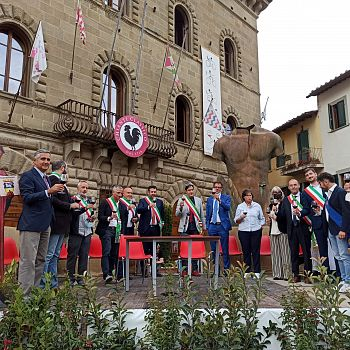 /images/5/1/51-expo-2021--brindisi-finale.jpeg