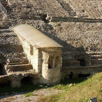 /images/5/3/53-durazzo---la-basilica-delle-tre-bellezze-all-interno-dell-anfiteatro.jpg