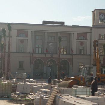/images/5/4/54-durazzo---il-municipio.jpg