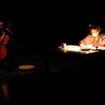 /images/5/5/55-giorno-della-memoria-lettera-alla-madre-minimal-teatro-eleonora-caponi-024.jpg
