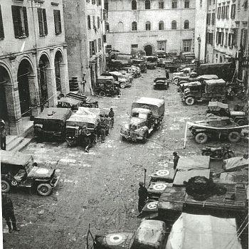 /images/5/9/59-1944-piazza-scalelle.jpg