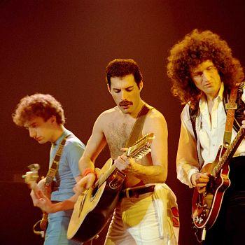 /images/5/9/59-queen-rock-montreal-3.jpg