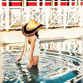 /images/6/0/60-augustus-in-love-augustus-beach-club-swimmingpool-low.jpg