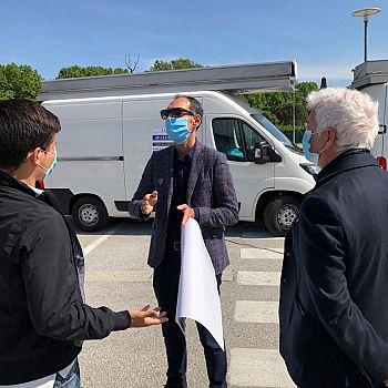 /images/6/1/61-manifestazione-ambulanti-pisa-9-maggio-2020-il-direttore-pieragnoli.jpg