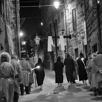 /images/6/3/63-radicofani-processione-veberdi-santo-5.jpg