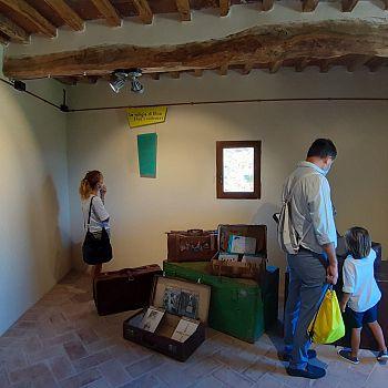 /images/6/4/64-museo-rocca-aldobrandesca-suvereto---foto-sala-elisa-con-visitatori.jpeg