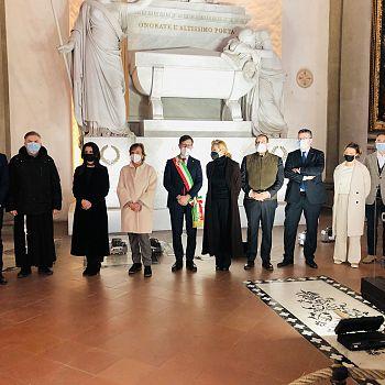 /images/6/5/65-dantedì-a-santa-croce-25mar21.jpg