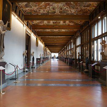 /images/6/5/65-terzo-corridoio-uffizi.jpg