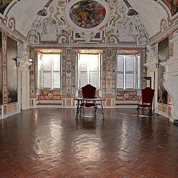 /images/6/6/66-palazzo-chigi-piccolomini-alla-postierla1.jpg