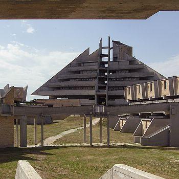 /images/6/7/67-cimitero-di-jesi-photo-andrea-aleardi-.jpg