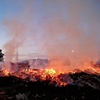 /images/6/9/69-incendio-cascine3.jpeg