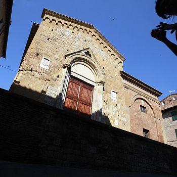 /images/7/0/70-chiesadisanpietroallamagione5.jpg