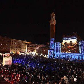 /images/7/2/72-piazzacampo-capodannosiena2.jpg