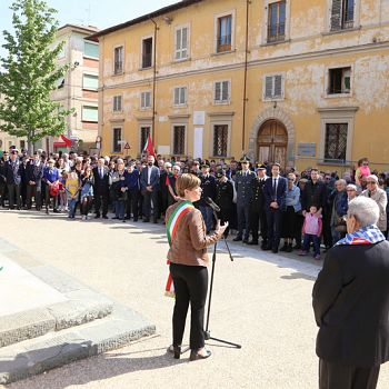 /images/7/5/75-25-aprile-2019-liberazione-nazionale-empoli-santa-maria-fontanella-193.jpg