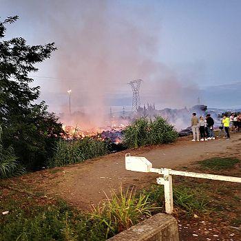 /images/7/6/76-incendio-cascine1.jpeg