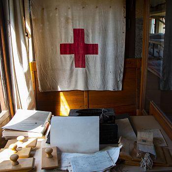 /images/7/6/76-massa--treno-ospedale-centoporte-©-croce-rossa-italiana--3-.jpg