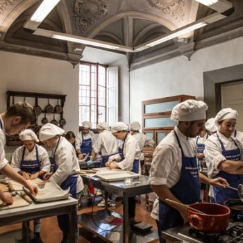 /images/8/1/81-2-cordon-bleu-scuola-di-arte-culinaria.jpg