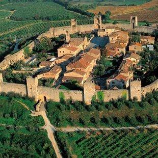 /images/8/4/84-monteriggioni---cinta-muraria.jpg