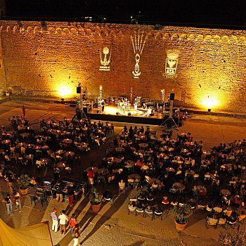 /images/8/5/85-jazz-wineinmontalcino.jpg