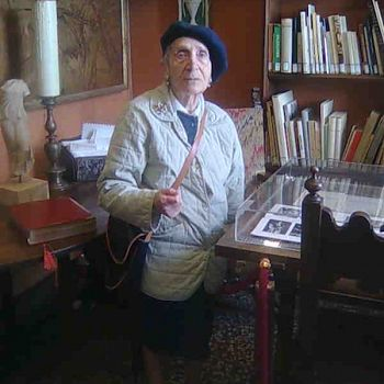 /images/8/5/85-sonia-nel-villino-castelfranco---museo-casa-siviero-nel-2009.jpg