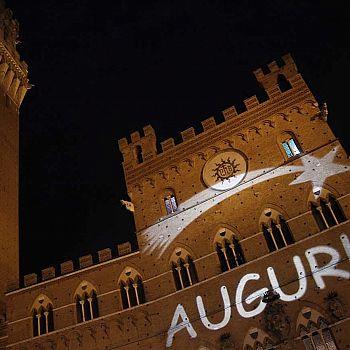 /images/8/8/88-piazzacampoauguri.jpg
