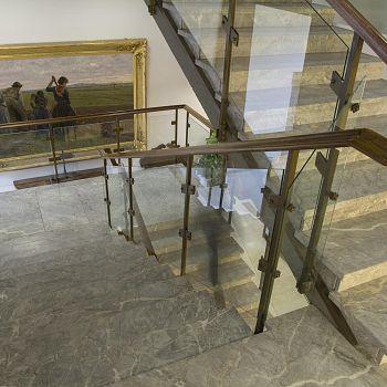 /images/9/0/90-lo-scalone-michelucciano-che-porta-agli-uffici-dell-ente-crf.jpg
