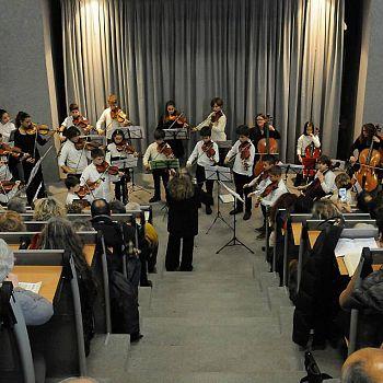 /images/9/0/90-orchestra-suzuki.jpg