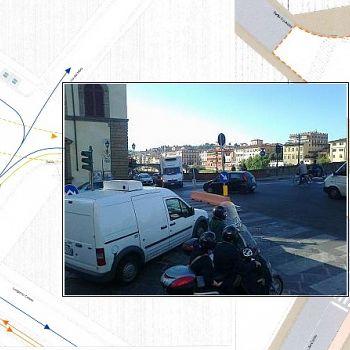 /images/9/1/91-goldoni-piazza-c.jpg