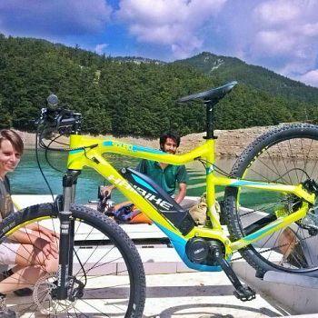 /images/9/2/92-bici-su-battello-elettrico-ridracoli.jpg