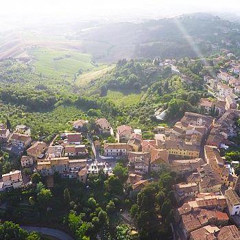 /images/9/4/94-01--festival-della-fragola.jpg