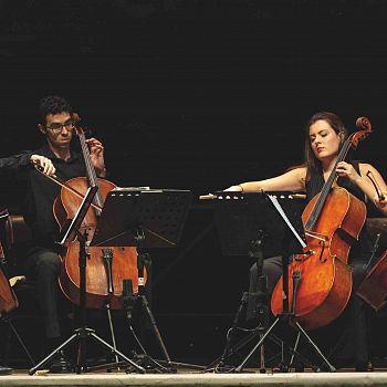 /images/9/4/94-celloplayquartet.jpg