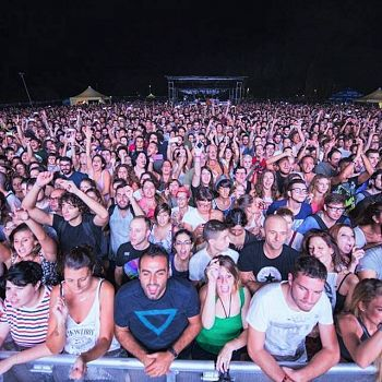/images/9/7/97-beat-festival-2015-main-stage.jpg