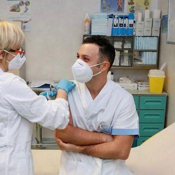 /images/9/8/98-infermiere-ps-primo-vaccinato-san-giuseppe-di-empoli.jpg