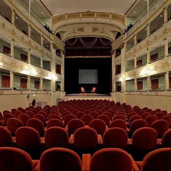 /images/9/8/98-teatro-niccolini-a.jpe