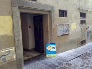 Bagni pubblici a Firenze: tra bisognosi, turismo e movida • Nove da ...